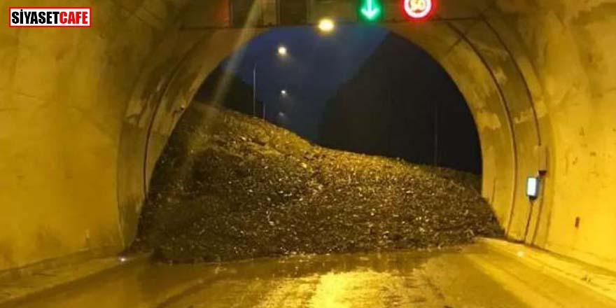 Artvin'de heyelan! Artvin-Erzurum kara yolu ulaşıma kapandı