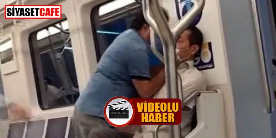 Metroda 'şarkı söyleme' kavgası