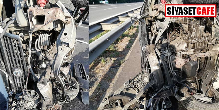 Otoyolda kaza yapan araç hurdaya döndü