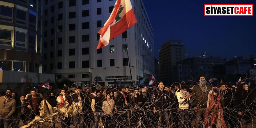Hükümetin istifası da yetmedi, Lübnan'daki protestolarda 42 yaralı var!
