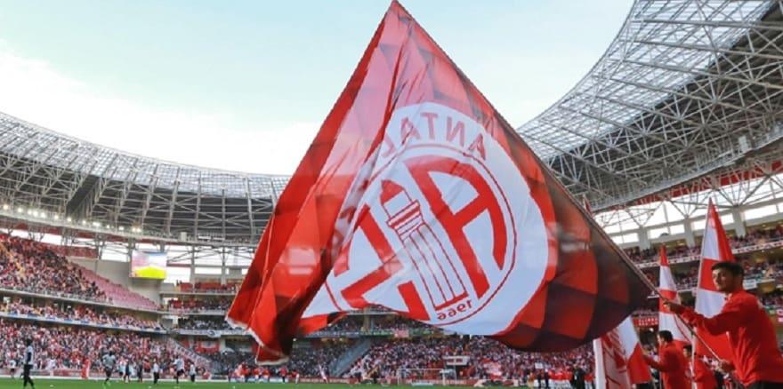 Antalyaspor'da 2 kişi pozitif çıktı
