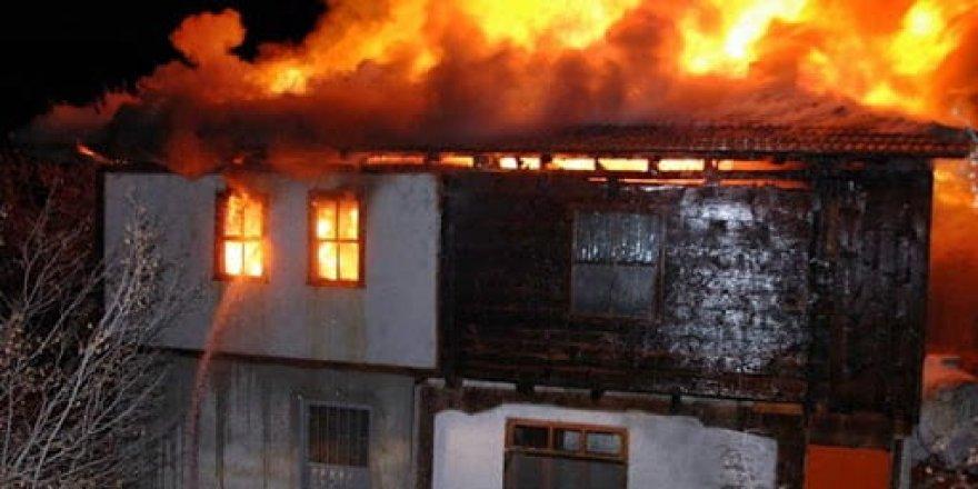 Bunu da gördük: Hayatını renklendirmek için evini yaktı