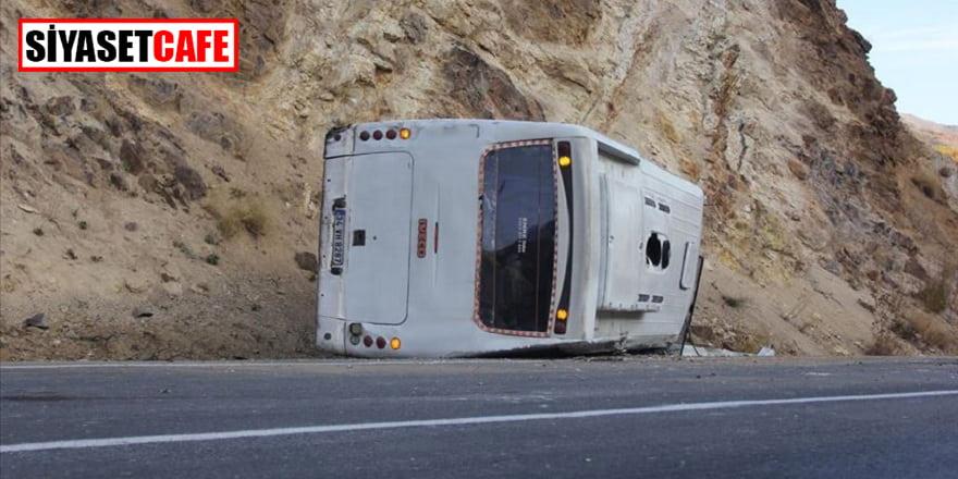 Sivas'ta işçi servisi kaza yaptı: 26 yaralı!