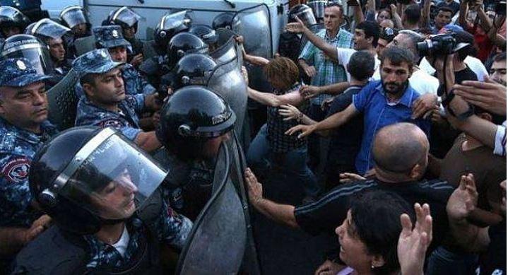 Ermenistan iç savaşa doğru gidiyor: Halk ayaklandı