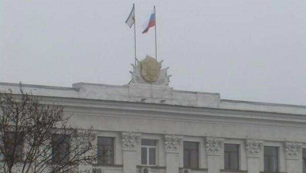 Kırım Başbakanlık binası ele geçirildi