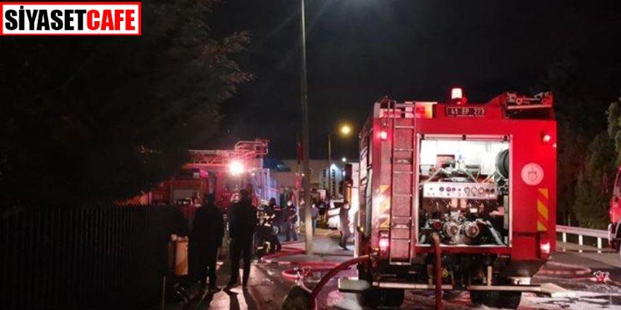 Kocaeli'nde ki yangın mahalleyi sokağa döktü
