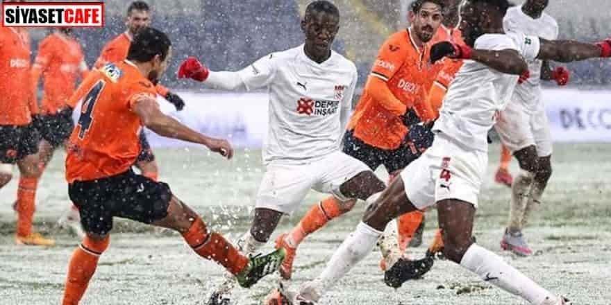 Yoğun kar altında oynanan karşılaşmada kazanan çıkmadı