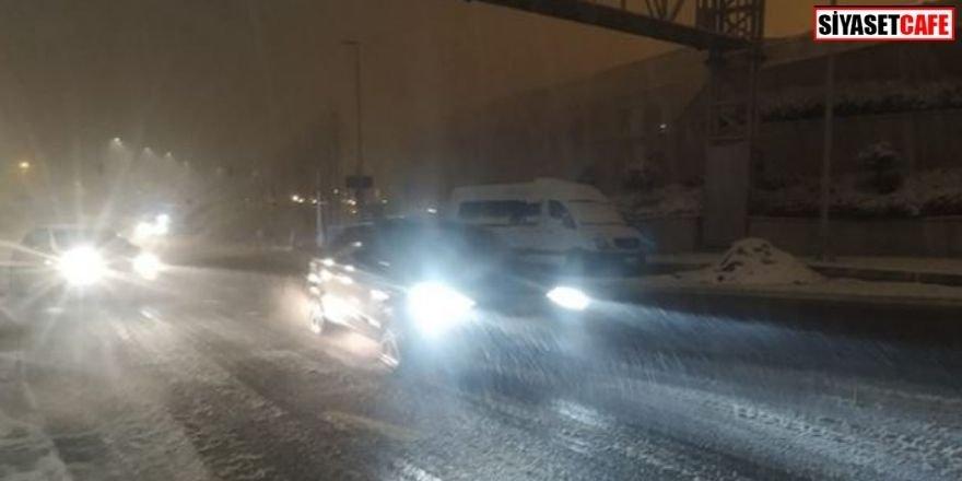 İstanbul'da sis sürücülere zor anlar yaşattı