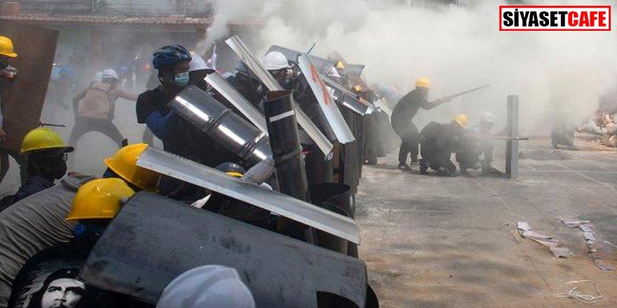 Myanmar'daki darbe karşıtı gösteriler: Ölü sayısı 33'e yükseldi