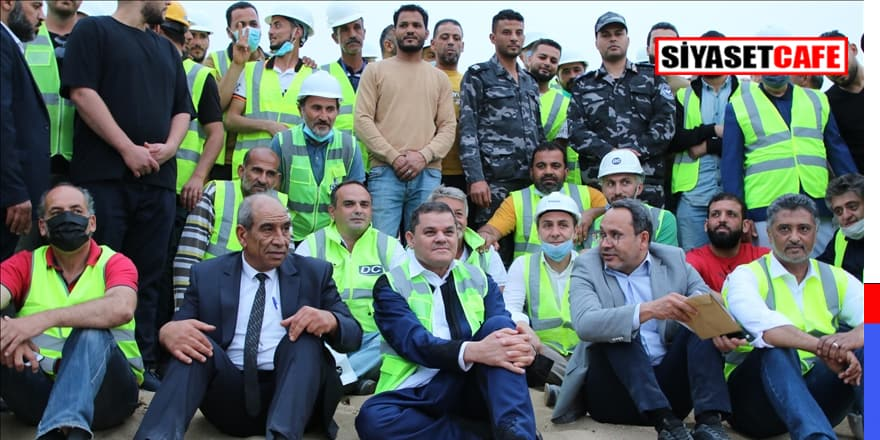 Libya Başbakanı Trablus elektrik santralindeki Türk işçilerle iftar yaptı