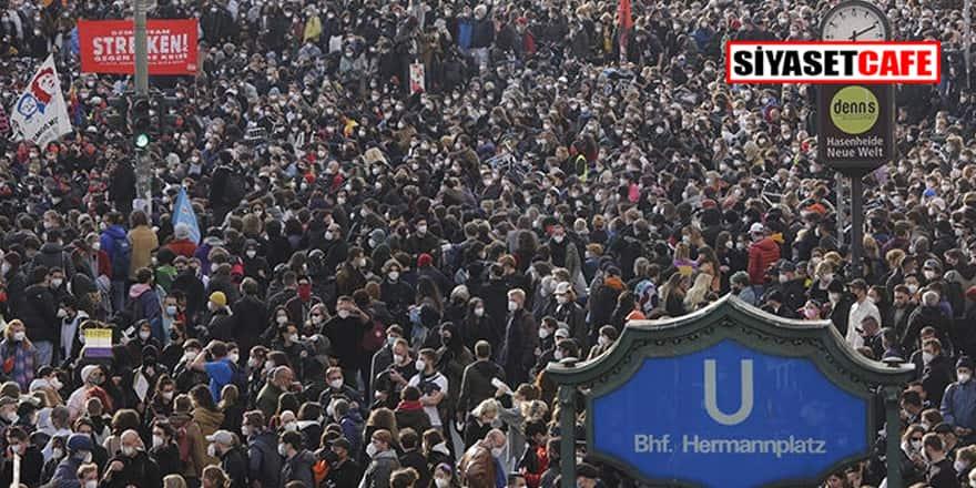 Berlin'deki gösterilerde en az 93 polis yaralandı, 354 kişi gözaltına alındı!