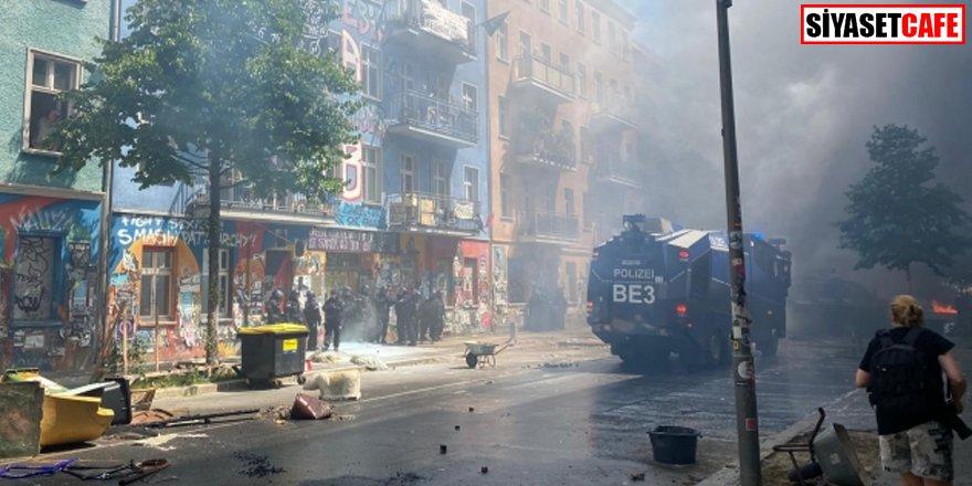 Berlin sokakları karıştı: 60 polis yaralı
