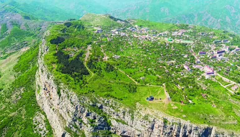 Azerbaycan Milletvekili İmamverdi Ismayılov Şuşa'yı yazdı