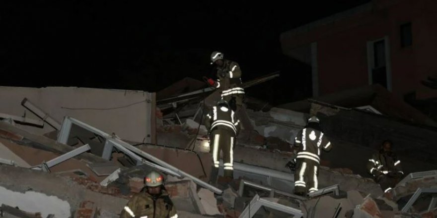 İstanbul'da 11 katlı bina çöktü