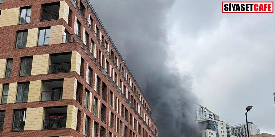 Londra'da panik: Tren istasyonunda yangın ve patlama