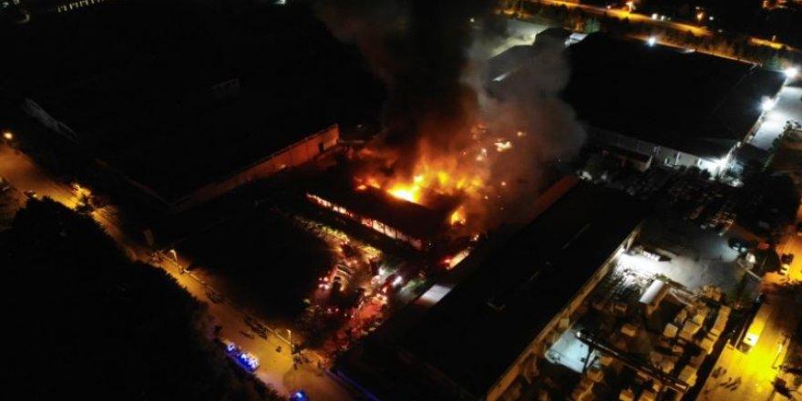Elazığ OSB'de yangın: İtfaiye alarma geçti