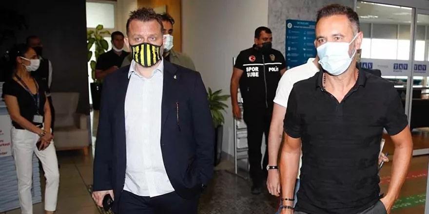Fenerbahçe'nin yeni teknik direktörü Vitor Pereira İstanbul'da