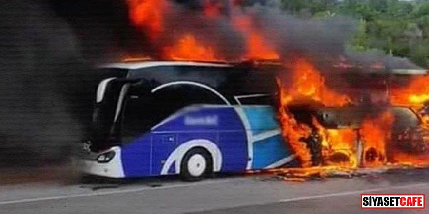 Çanakkale'de yolcu otobüsü alev alev