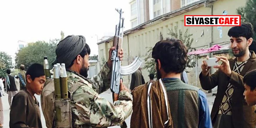 Taliban Afganistan'ın İran sınırındaki bir gümrük kapısını daha ele geçirdi