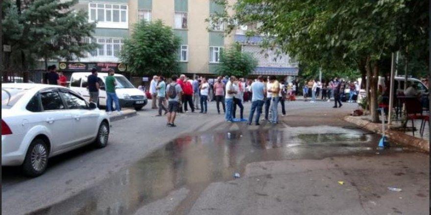Diyarbakır'da dehşet: Sokak ortasında kurşuna dizdiler