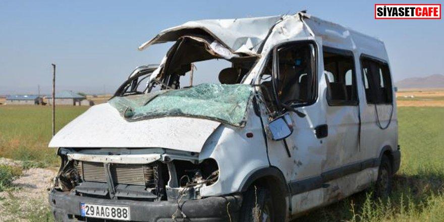 Ağrı'da minibüs devrildi: 3 ölü, onlarca kişi yaralı