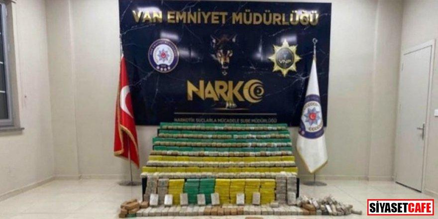 Bakan Soylu: Hakkari'de 449 kilogram eroin ele geçirildi