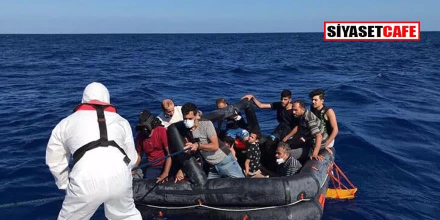 Yunanistan'ın ölüme terk ettiği 14 düzensiz göçmen kurtarıldı