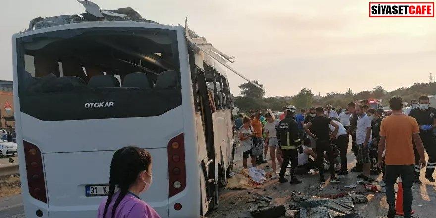 Manavgat'ta yolcu taşıyan tur otobüsü kaza yaptı: 3 ölü, 5 yaralı