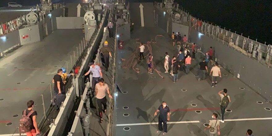 MSB'den flaş açıklama: Vatandaşlar çıkartma gemisi ile tahliye ediliyor