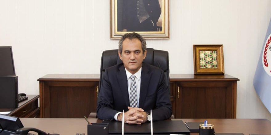 Yeni Milli Eğitim Bakanı Prof. Dr. Mahmut Özer kimdir?
