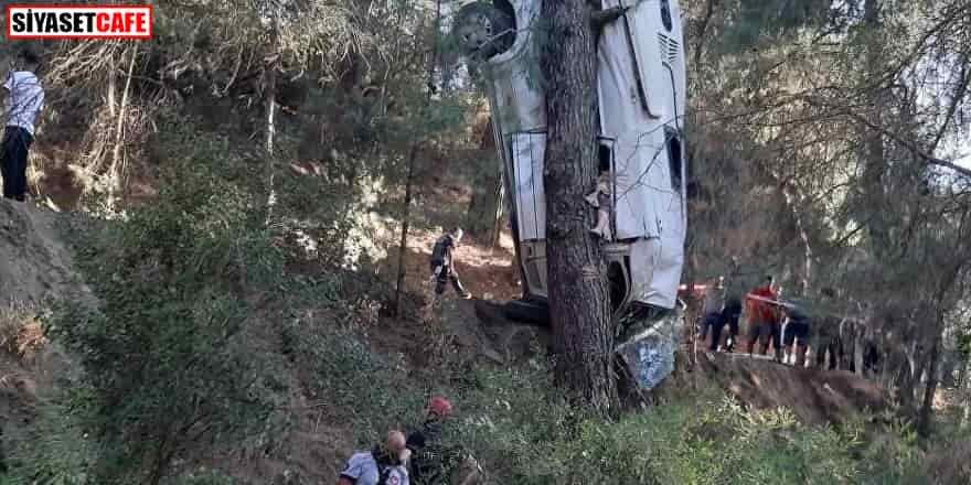 Minibüs şarampole yuvarlandı: 2'si çocuk 6 kişi hayatını kaybetti