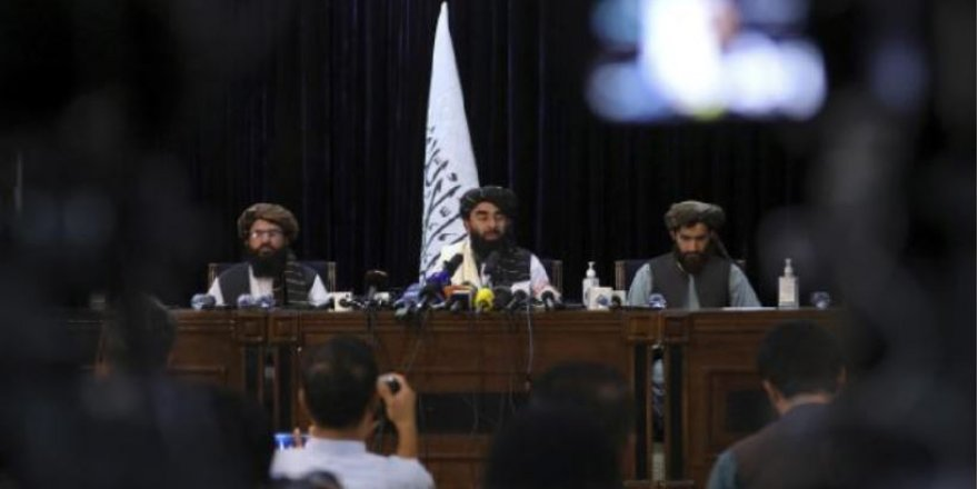 """Taliban sözcüsü: """"Kadınlar da hükümete katılmalı"""""""