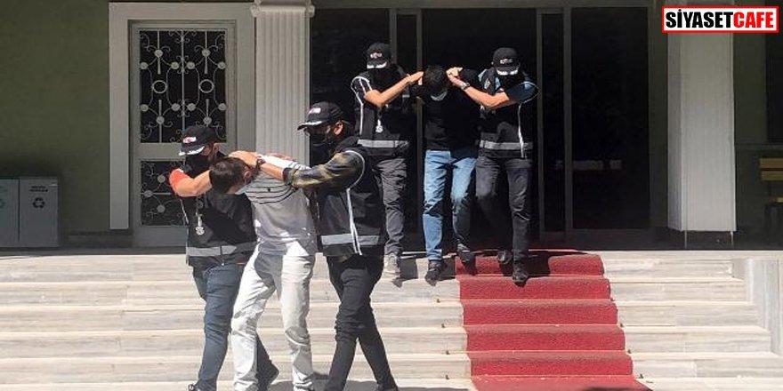 Sahte polisler gerçek polislere yakalandı