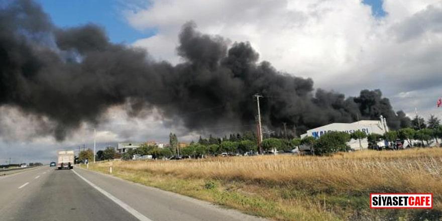 İstanbul'da kauçuk üretimi yapan fabrikada yangın!