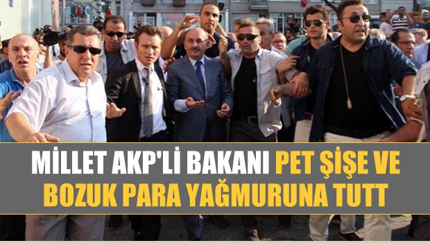 Millet, Şehit Cenazesinde AKP'li Bakanı Pet Şişe ve Bozuk Para yağmuruna tuttu