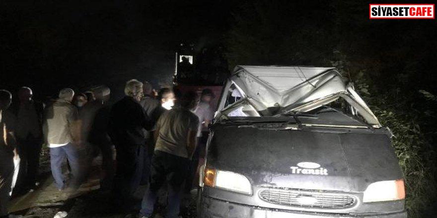 İşçileri taşıyan minibüs devrildi: 10'dan fazla yaralı