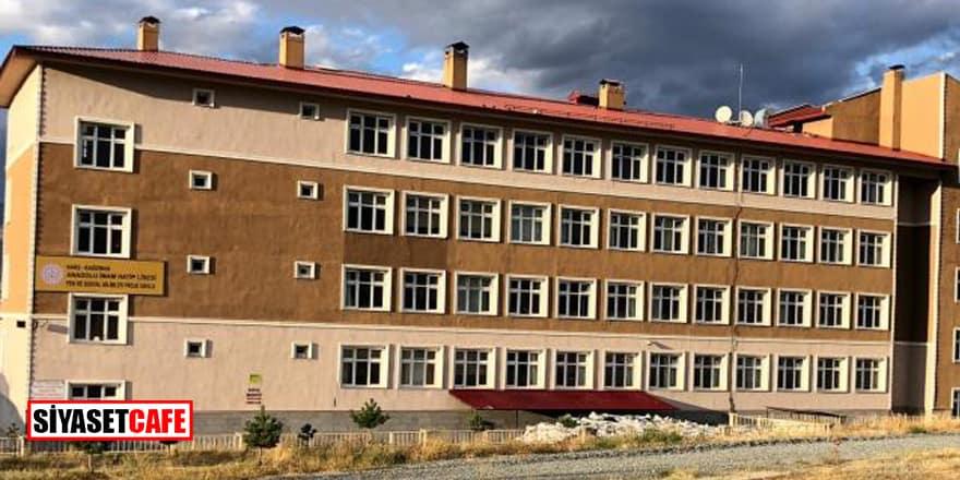 Kars'ta vaka sayısı artan İmam Hatip Lisesi tamamen kapatıldı