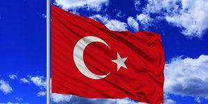 Türk bayrağına basan alçak yakalandı