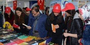 Kitapseverler Anadolu'nun En Büyük Kitap Fuarı Konya'da Buluştu