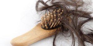 Dikkat! Saç dökülmesinin sebebi bu hastalıklar olabilir