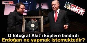 O fotoğraf Akit'i küplere bindirdi Erdoğan ne yapmak istemektedir?
