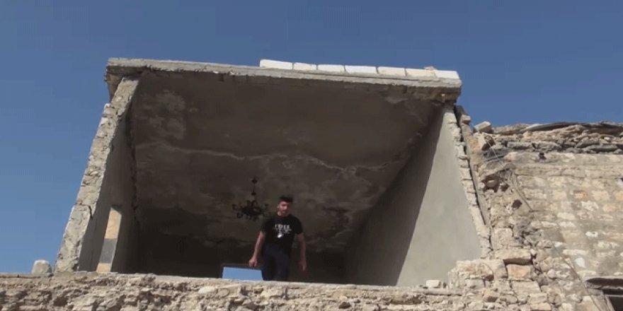 Halep yıkıntılarında parkurcu gençler