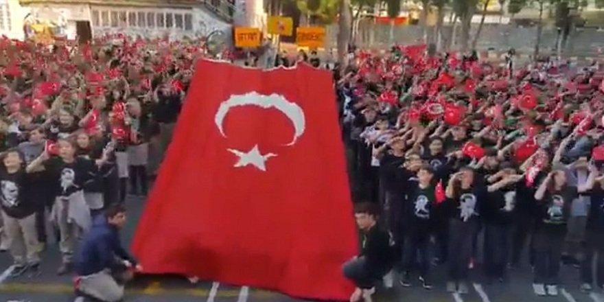 Atatürk Çocuklarından muhteşem performans