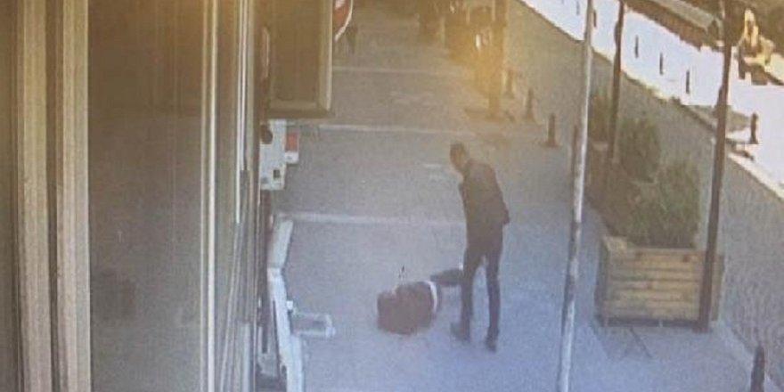 Sokak ortasında karısını döven adama meydan dayağı