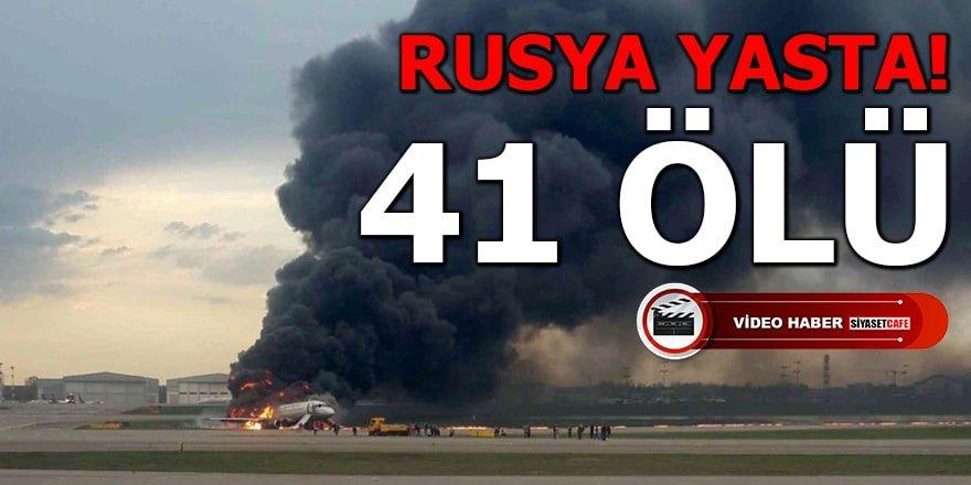 Yolcu uçağı havada yanarken iniş yaptı