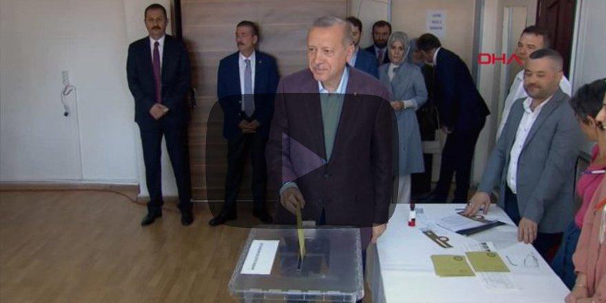 Cumhurbaşkanı Recep Tayyip Erdoğan oyunu kullandı
