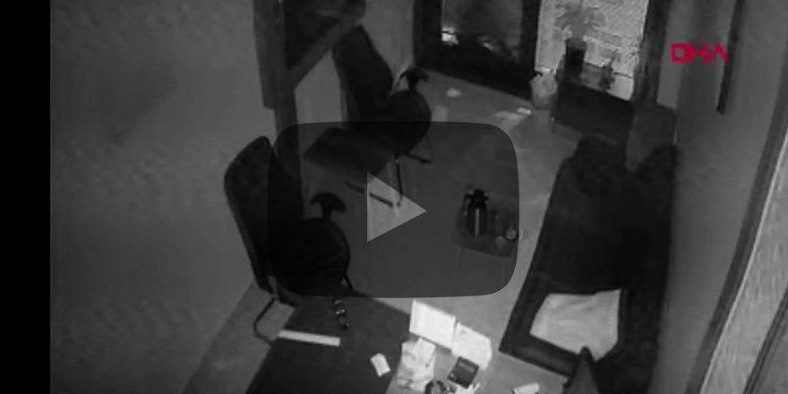 Hırsızlar, vatandaşları döner bıçağıyla kovaladı! O anlar kameraya böyle yansıdı