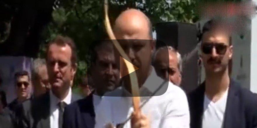 """Bilal Erdoğan ok attı: """"Kimse yok değil mi aşağıda?"""""""
