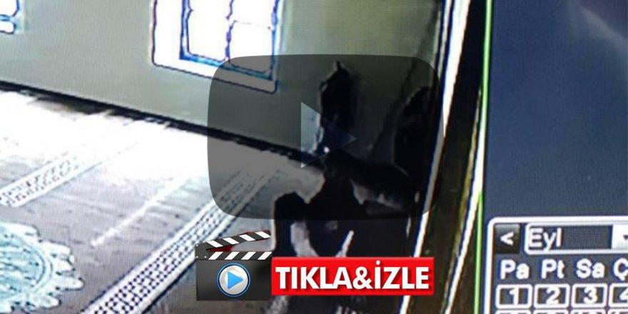 Sakarya'da skandal olay! Cami içine tuvaletini yaptı