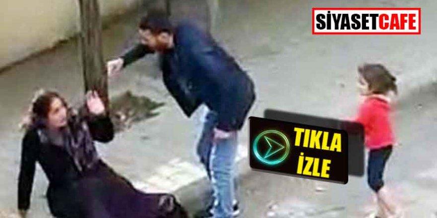 Antep'te sokak ortasında çocuğunun önünde karısını dövdü